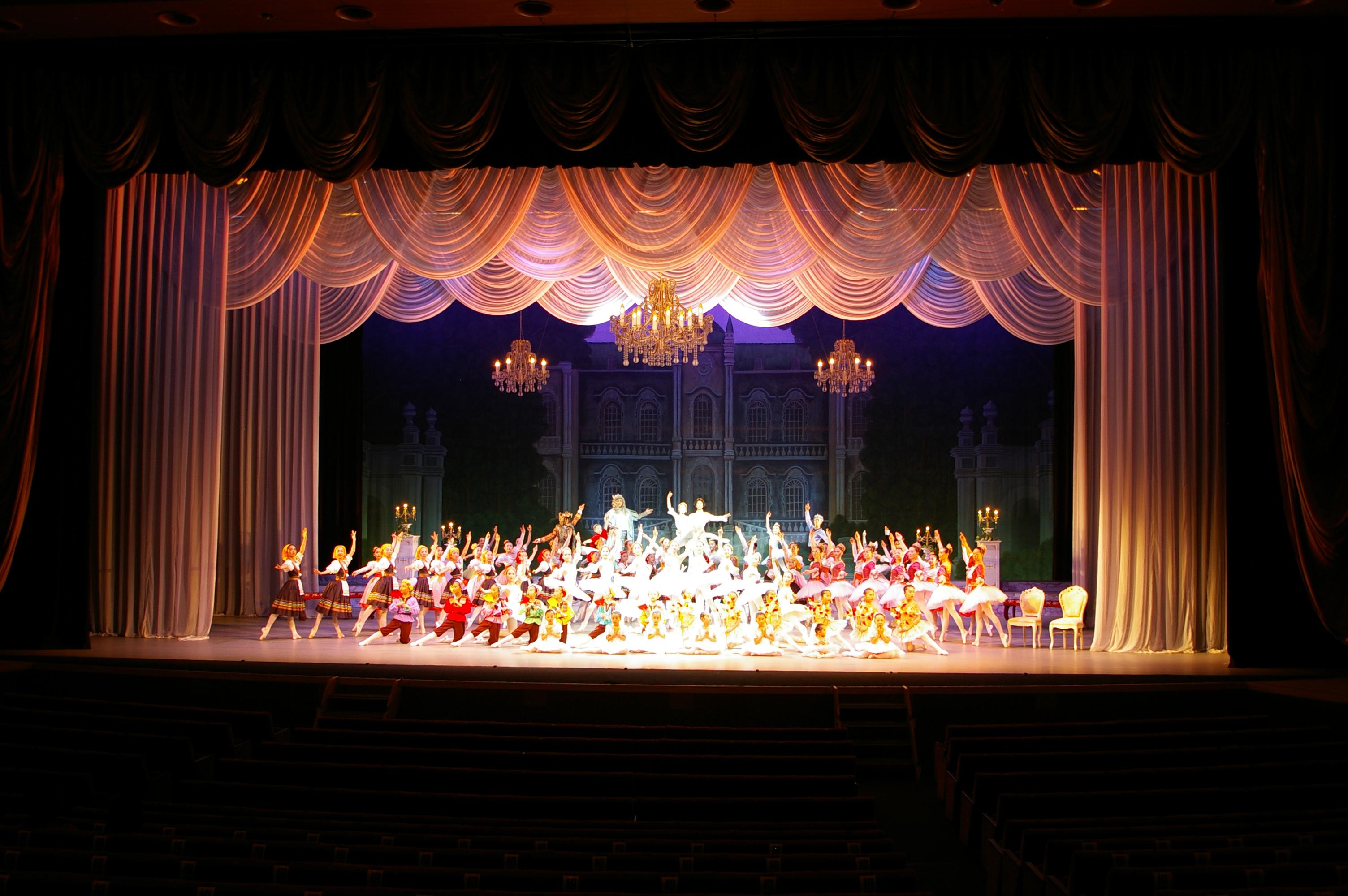 バレエスタジオ22夏季講演「眠りの森の美女」舞台美術